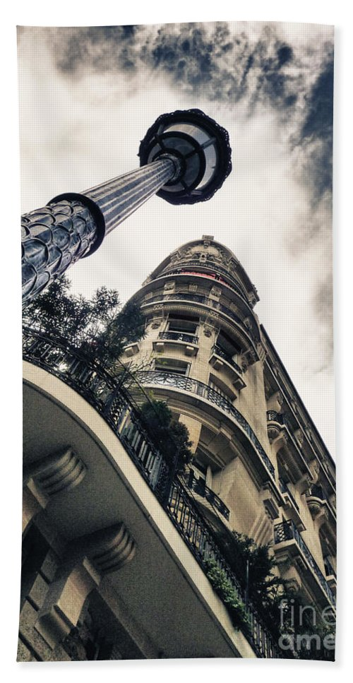 Statue Bath Sheet featuring the photograph Paris - Lanterns In Paris by ARTSHOT - Photographic Art