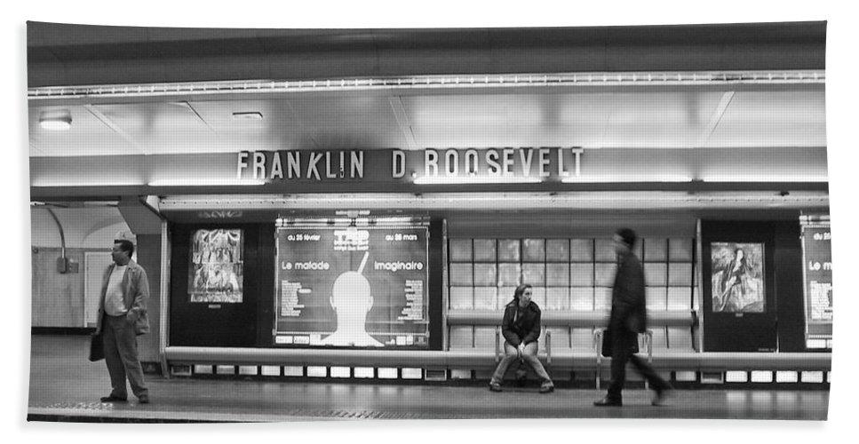 Paris Hand Towel featuring the photograph Paris Metro - Franklin Roosevelt Station by Thomas Marchessault