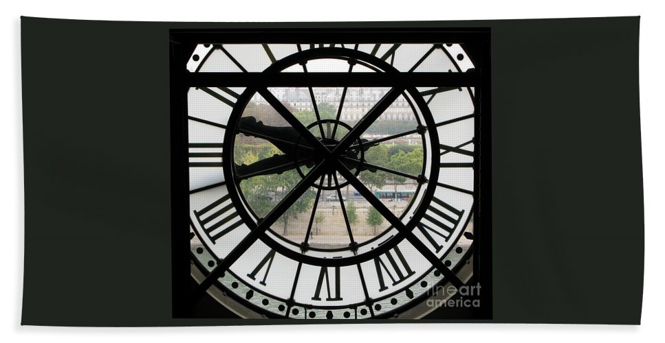 Clock Hand Towel featuring the photograph Paris Time by Ann Horn