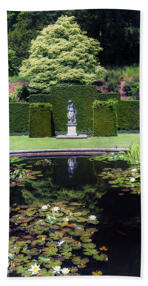 Pond Hand Towel featuring the photograph Park by Joana Kruse