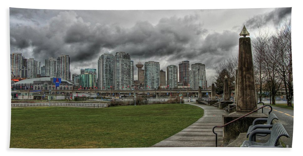Vancouver Hand Towel featuring the photograph Park View by Brigitte Mueller