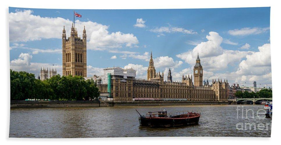 London Hand Towel featuring the photograph Parliament by Matt Malloy