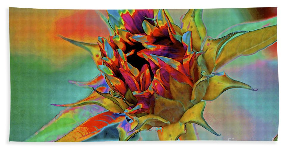 Sunflower Hand Towel featuring the photograph Past Summers by Gwyn Newcombe