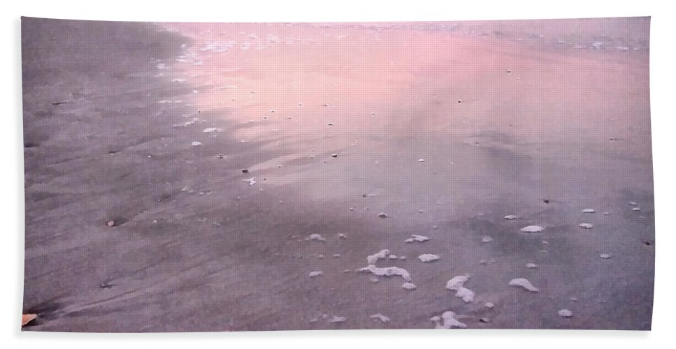 Landscape Bath Towel featuring the photograph Pastel Beach by Todd Blanchard