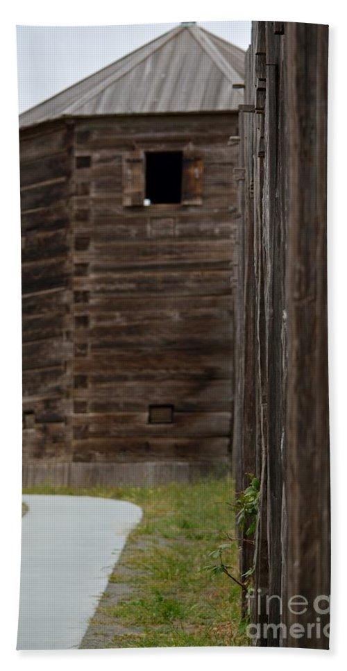Gun Tower Bath Sheet featuring the photograph Path To The Gun Tower by Beth Sanders