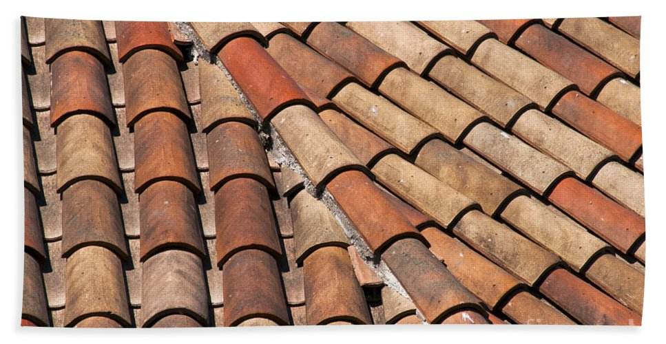 Bonnieux France Tiled Rooftops Patterned Rooftop Tile Tiles Cityscape Cityscapes Provence Bath Sheet featuring the photograph Patterned Tiles by Bob Phillips