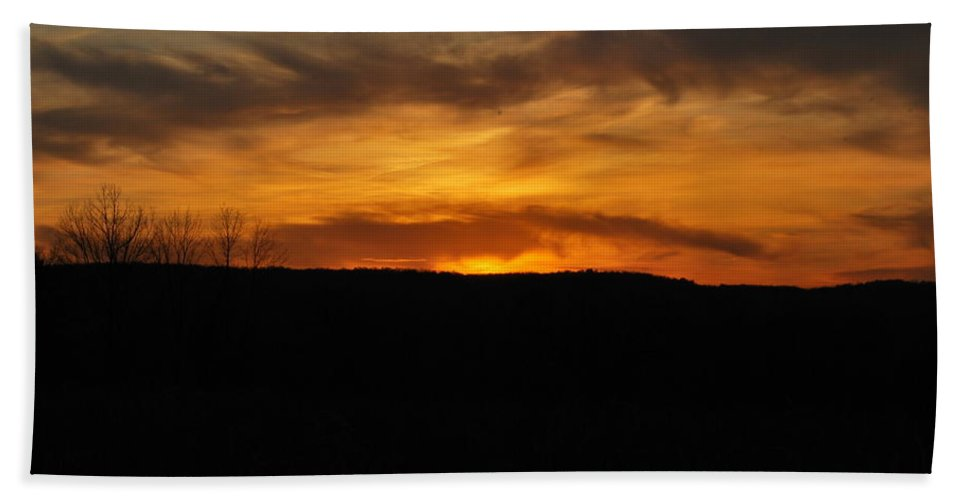 Sunset Hand Towel featuring the photograph Patterson Sunset by Kurt Von Dietsch