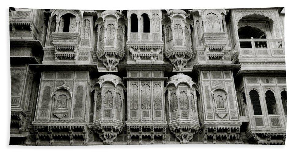 India Bath Sheet featuring the photograph Patwon Ki Haveli by Shaun Higson