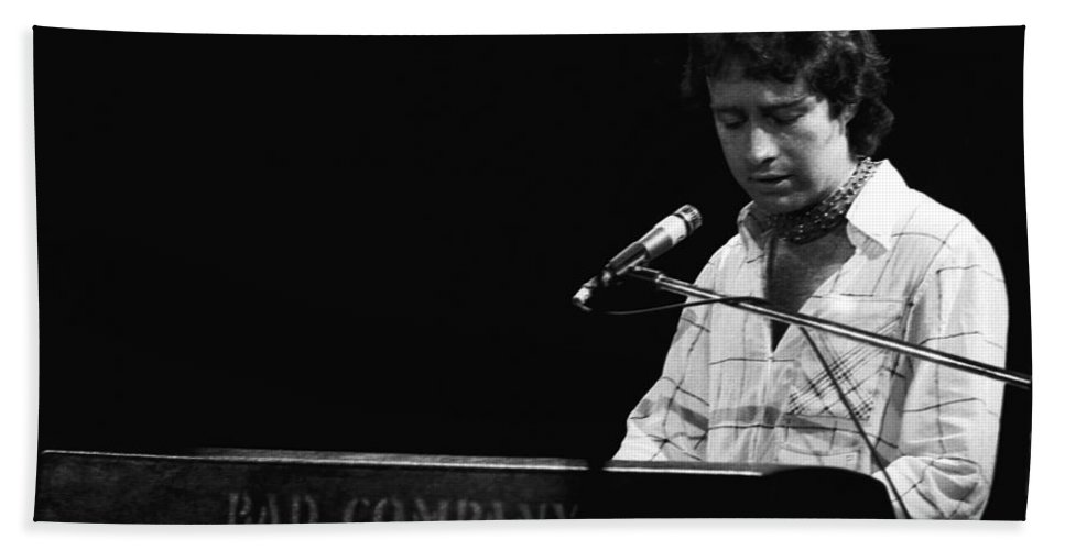 Paul Rodgers Bath Sheet featuring the photograph Paul At The Keyboard In Spokane 1977 by Ben Upham