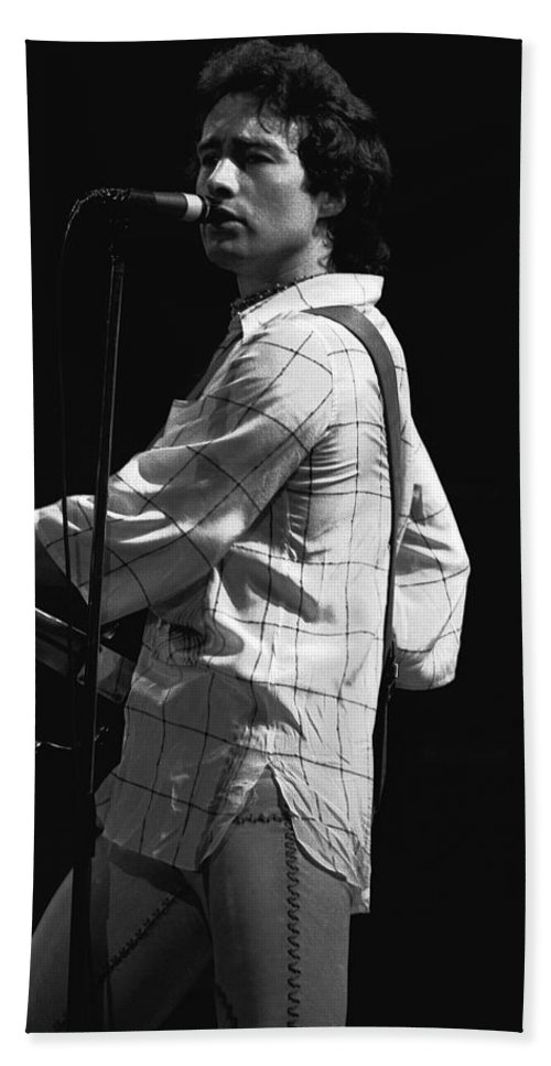 Paul Rodgers Bath Sheet featuring the photograph Paul On The Burnin Sky Tour 1977 Spokane by Ben Upham
