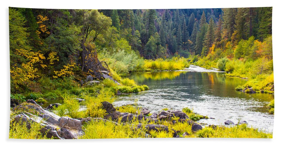 Feather River Bath Sheet featuring the photograph Peace And Tranquility In The Heart Of Feather River, Quincy California by Tirza Roring