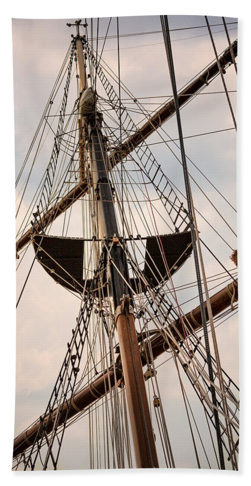 Peacemaker Rigging Bath Sheet featuring the photograph Peacemaker Rigging by Dale Kincaid
