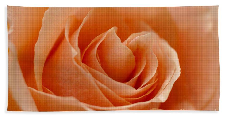 Peach Bath Towel featuring the photograph Peach by Carol Lynch