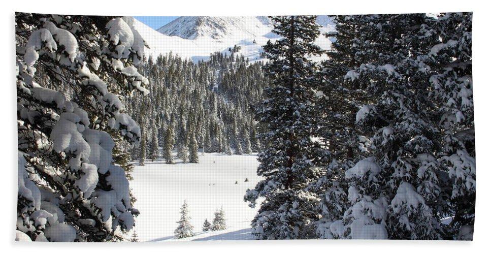 Colorado Bath Sheet featuring the photograph Peak Peek by Eric Glaser