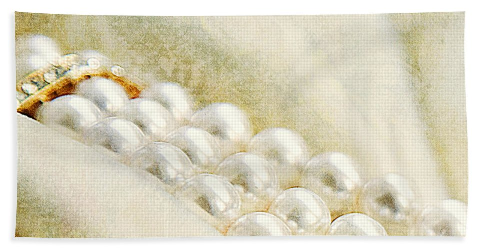 Pearls Bath Sheet featuring the photograph Pearls On White Velvet by Theresa Tahara
