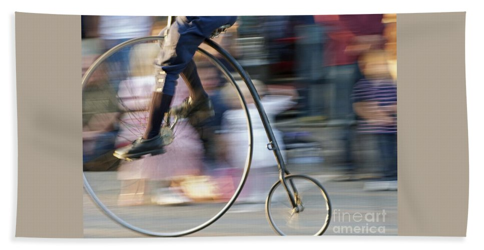 Bicycle Bath Towel featuring the photograph Pedaling Past by Ann Horn
