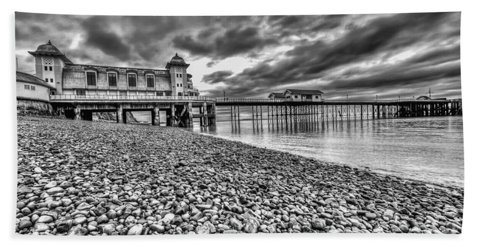 Penarth Pier Hand Towel featuring the photograph Penarth Pier 2 Mono by Steve Purnell