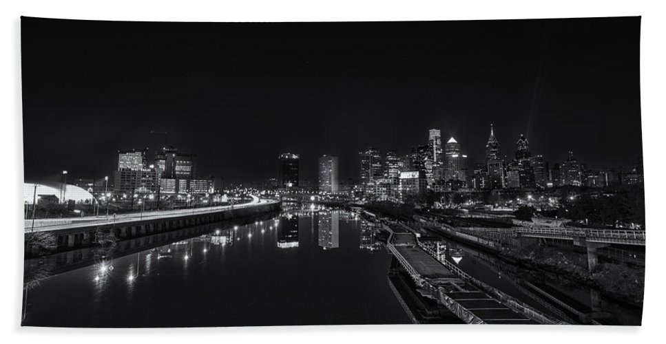 Landscape Hand Towel featuring the photograph Philadelphia Skyline by Rob Dietrich