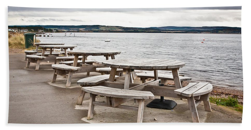 Al Fresco Hand Towel featuring the photograph Picnic Tables by Tom Gowanlock