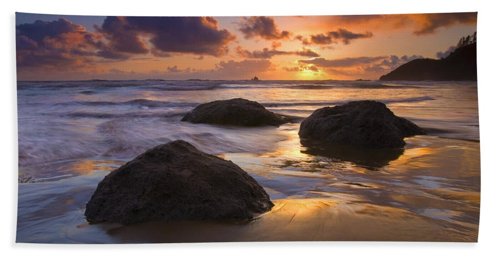 Sunset Bath Sheet featuring the photograph Pieces Of Eight by Mike Dawson