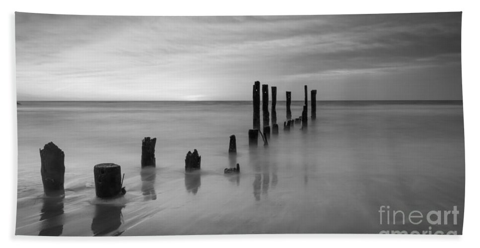 Milky Way Mike Hand Towel featuring the photograph Pier Into The Past Bw 16x9 by Michael Ver Sprill