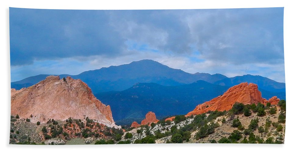 Photo Hand Towel featuring the photograph Pikes Peak by Dan Miller