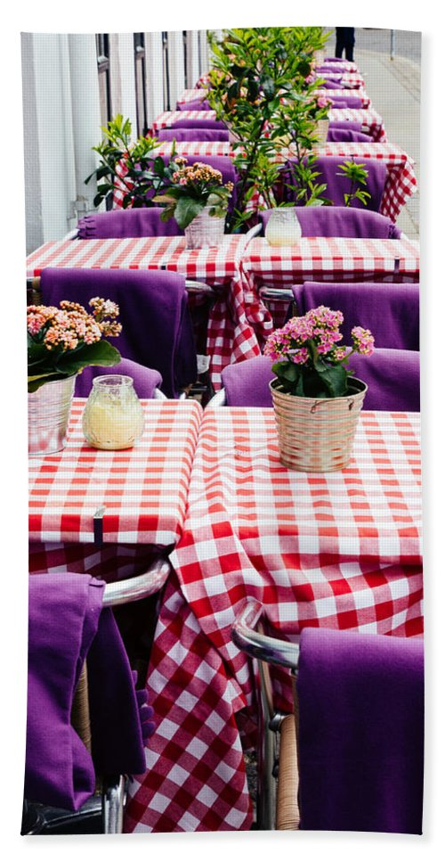 Pink Hand Towel featuring the photograph Pink And Purple Dining by Patrycja Polechonska
