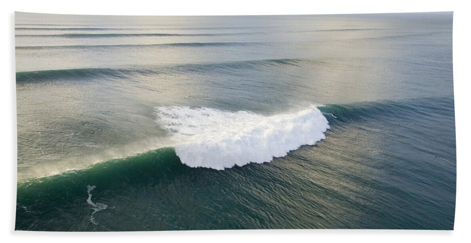 Perfect Surf Hand Towel featuring the photograph Pipelime by Sean Davey