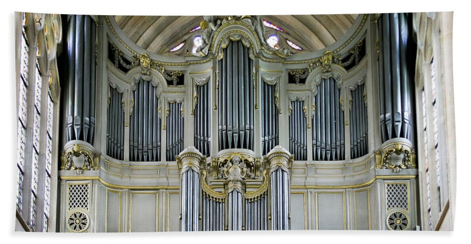 Organ Bath Sheet featuring the photograph Pipes In Paris by Jenny Setchell