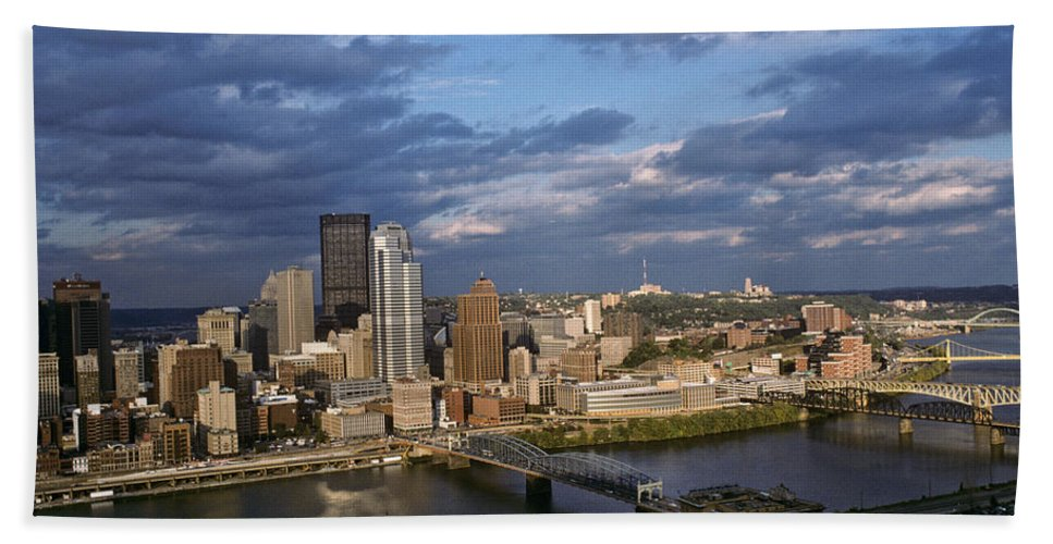 Architecture Hand Towel featuring the photograph Pittsburgh Skyline At Dusk by Jeff Goulden
