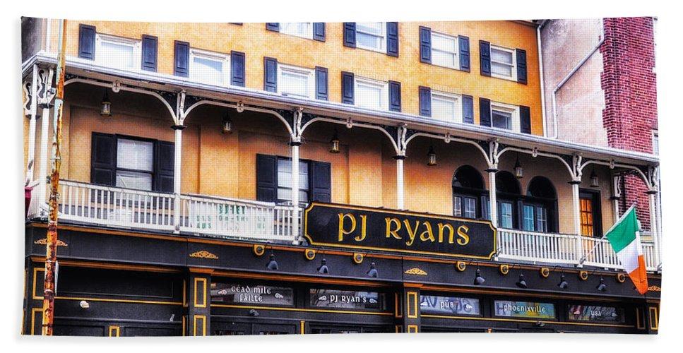 Ryans Hand Towel featuring the photograph Pj Ryans Irish Pub by Bill Cannon