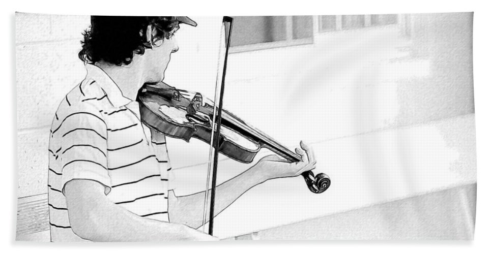 Violin Bath Sheet featuring the photograph Playing Violin by Alice Gipson