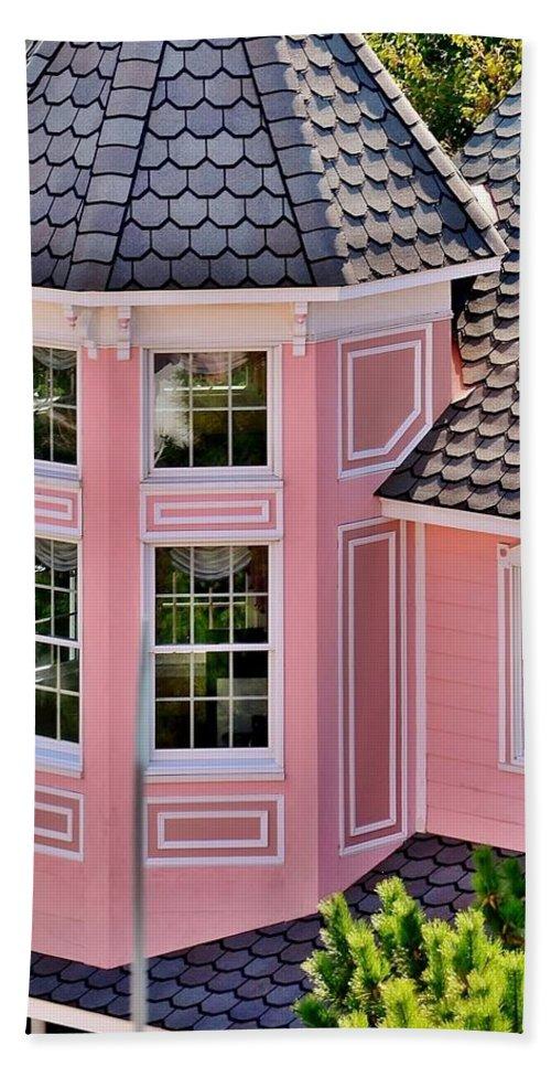 Hotel Bath Towel featuring the photograph Beautiful Pink Turret - Boardwalk Plaza Hotel Annex - Rehoboth Beach Delaware by Kim Bemis