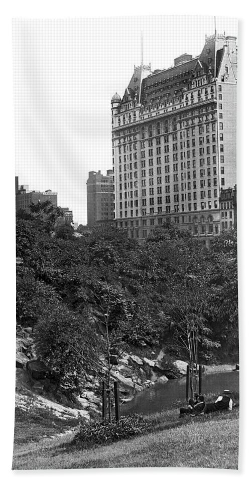 1928 Hand Towel featuring the photograph Plaza Hotel From Central Park by Underwood Archives
