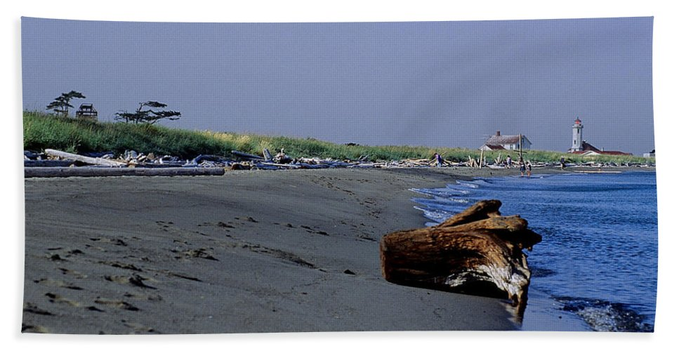 Point Willson Bath Sheet featuring the photograph Point Wilson Lighthouse And Beach by Sharon Elliott