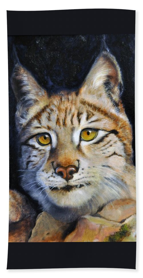 Lynx Hand Towel featuring the painting Pointed Advantage - Siberian Lynx by Pamela Bergen