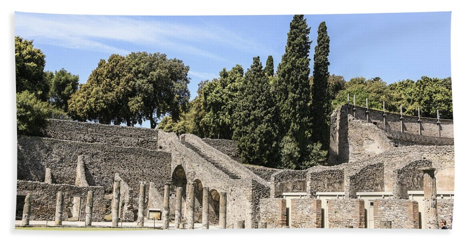 Italy 2014 Bath Sheet featuring the photograph Pompeii 2 by Eric Swan