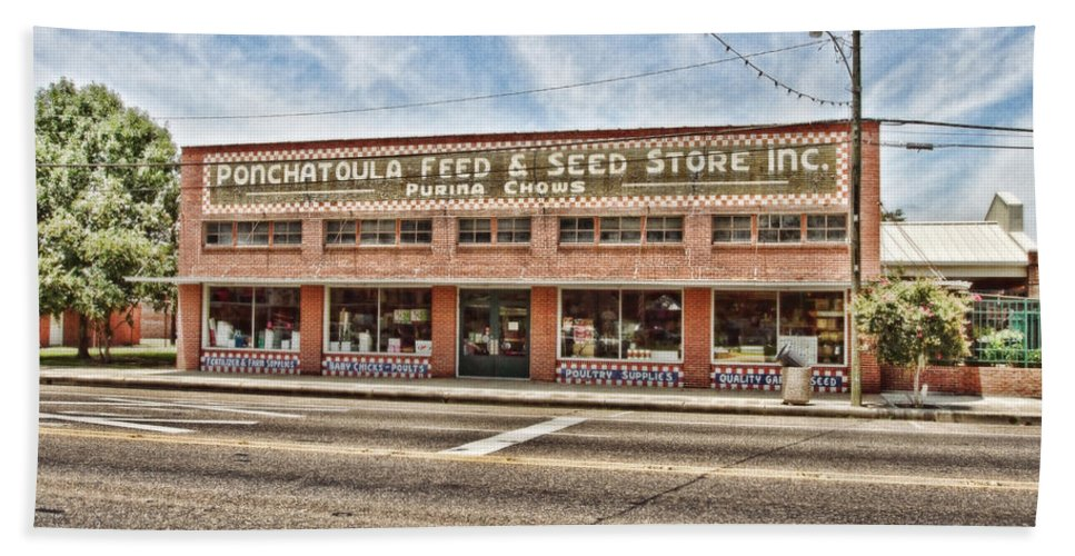 Ponchatoula Bath Sheet featuring the photograph Ponchatoula Feed And Seed by Scott Pellegrin