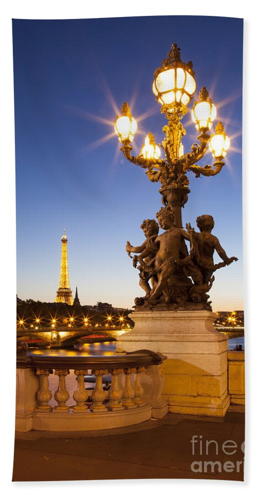 Alexandre Bath Sheet featuring the photograph Pont Alexandre IIi - Paris by Brian Jannsen