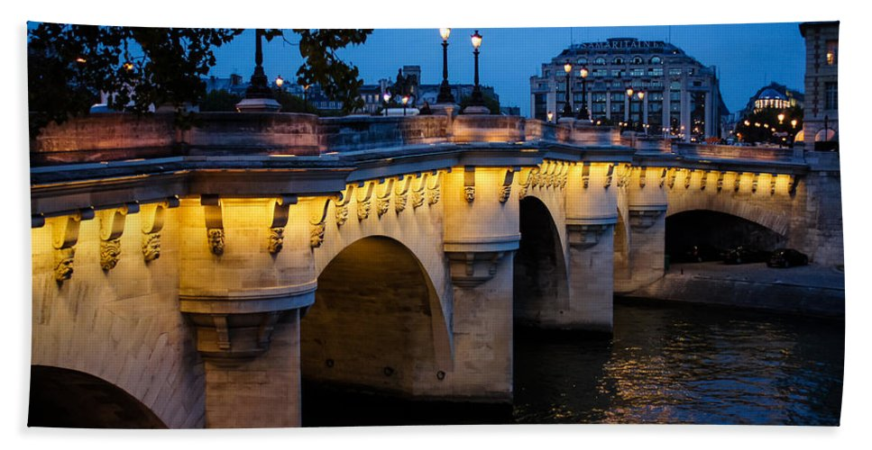 Bridge Bath Towel featuring the photograph Pont Neuf Bridge - Paris France 1 by Georgia Mizuleva