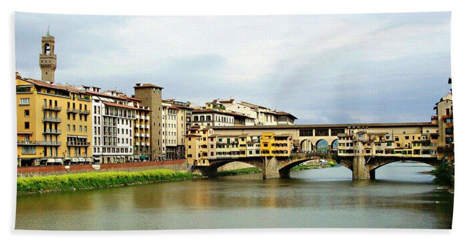 Ponte Vecchio Hand Towel featuring the photograph Ponte Vecchio 1 by Ellen Henneke