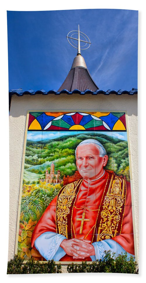 Pope John Ii Bath Sheet featuring the photograph Pope John II by Carlos Diaz