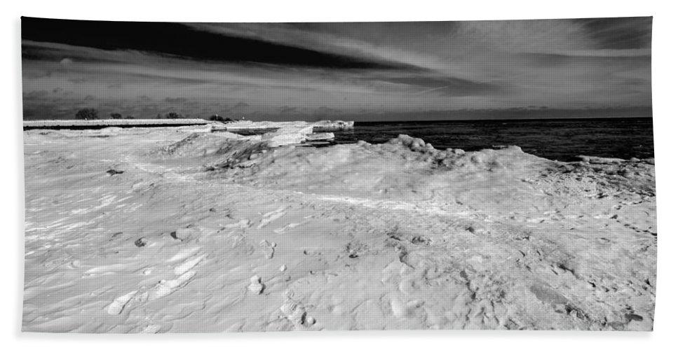 South Beach Hand Towel featuring the photograph Port Washington - South Beach B-w by Susan McMenamin