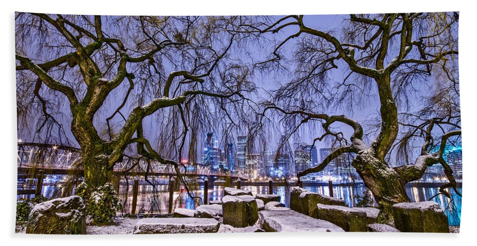 River Hand Towel featuring the photograph Portland Twin Trees by Darren White
