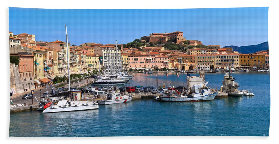 Italy Hand Towel featuring the photograph Portoferraio by Antonio Scarpi