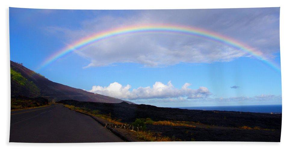 Hawaii Bath Sheet featuring the photograph Pot Of Gold by John Dauer