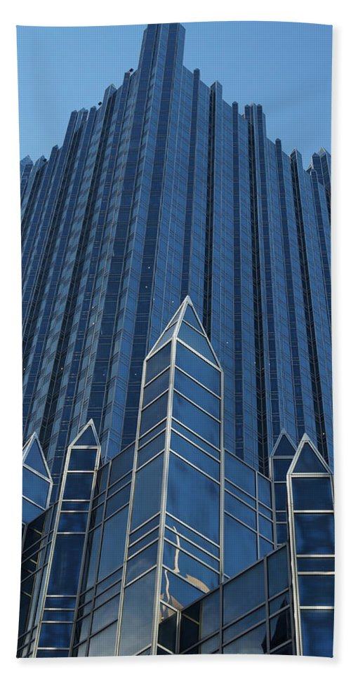 Ppg Place Hand Towel featuring the photograph Ppg Place Pittsburgh by Andrea Rea
