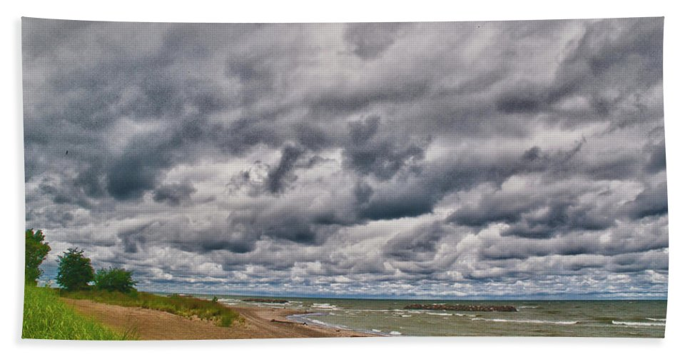 Landscape Bath Sheet featuring the photograph Presque Isle Beach 12061 by Guy Whiteley