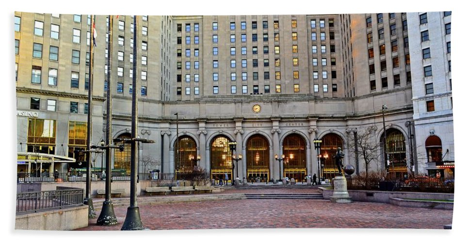Public Bath Sheet featuring the photograph Public Square Cleveland Ohio by Frozen in Time Fine Art Photography
