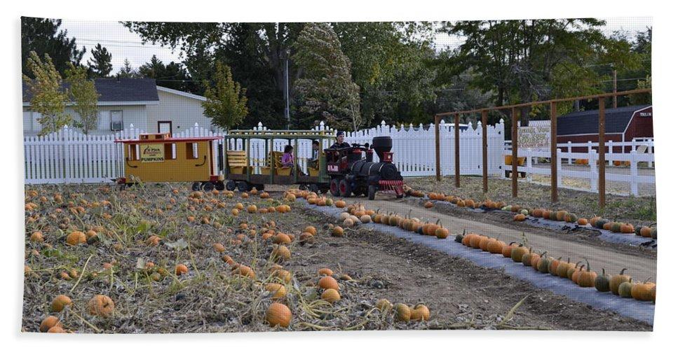 Idaho Falls Bath Sheet featuring the photograph Pumpkin Train by Image Takers Photography LLC - Carol Haddon